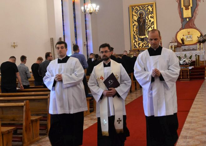 Kapłan = Misjonarz